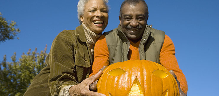 Home Care for Halloween? How Caregivers Get Seniors Involved in Fall Fun