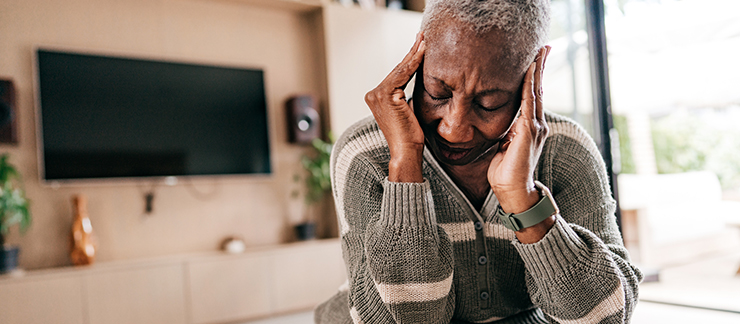 How to Help Seniors Manage Headaches and Migraines