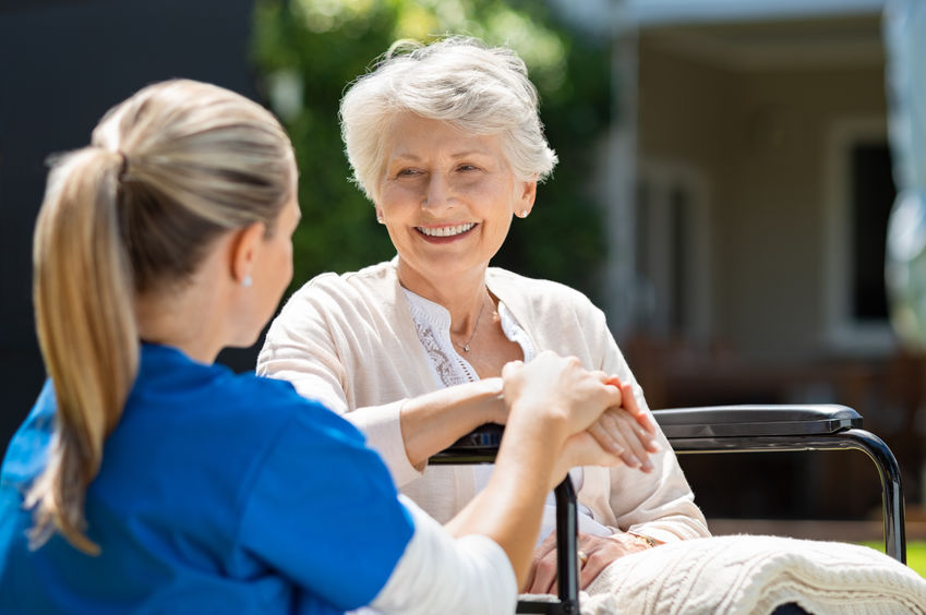 How Visiting Angels Helps Seniors Avoid Hospital Readmission