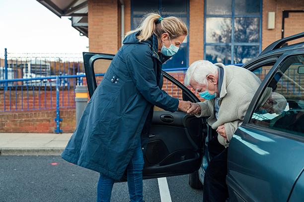 Why Choose Visiting Angels St. Petersburg for Caregiver Referrals?